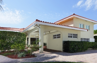 Largo FL Real Estate Agent - Scott & Amy Ferguson